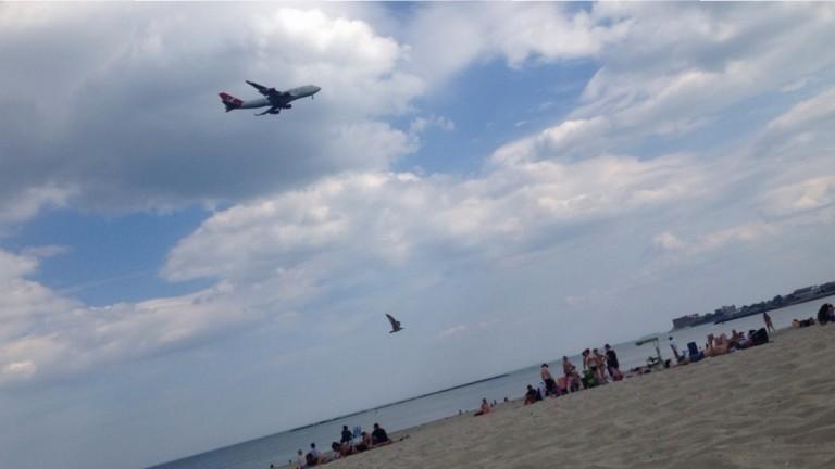 Vliegtuig spotten vanaf het strand