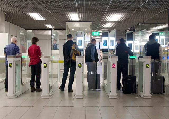 automatische paspoortcontrole schiphol