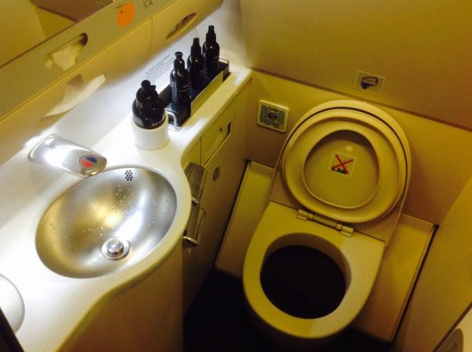 wbc, toilet, wc, klm