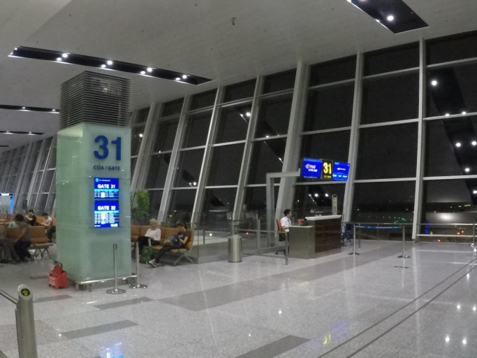 gate, hanoi airport