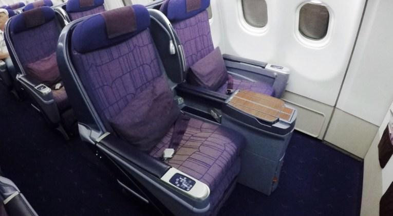 business class, royal silk, a330, thai airways