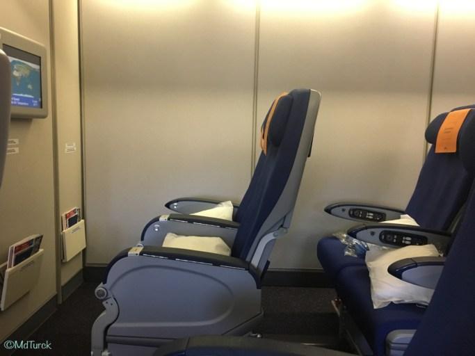 Review KLM Boeing 747 Economy Comfort Amsterdam - Seoul