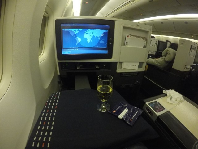 champagne, japan airlines