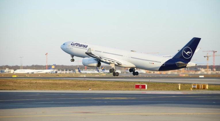 Airbus A330-300 van Lufthansa stijgt op (Bron: Lufthansa)