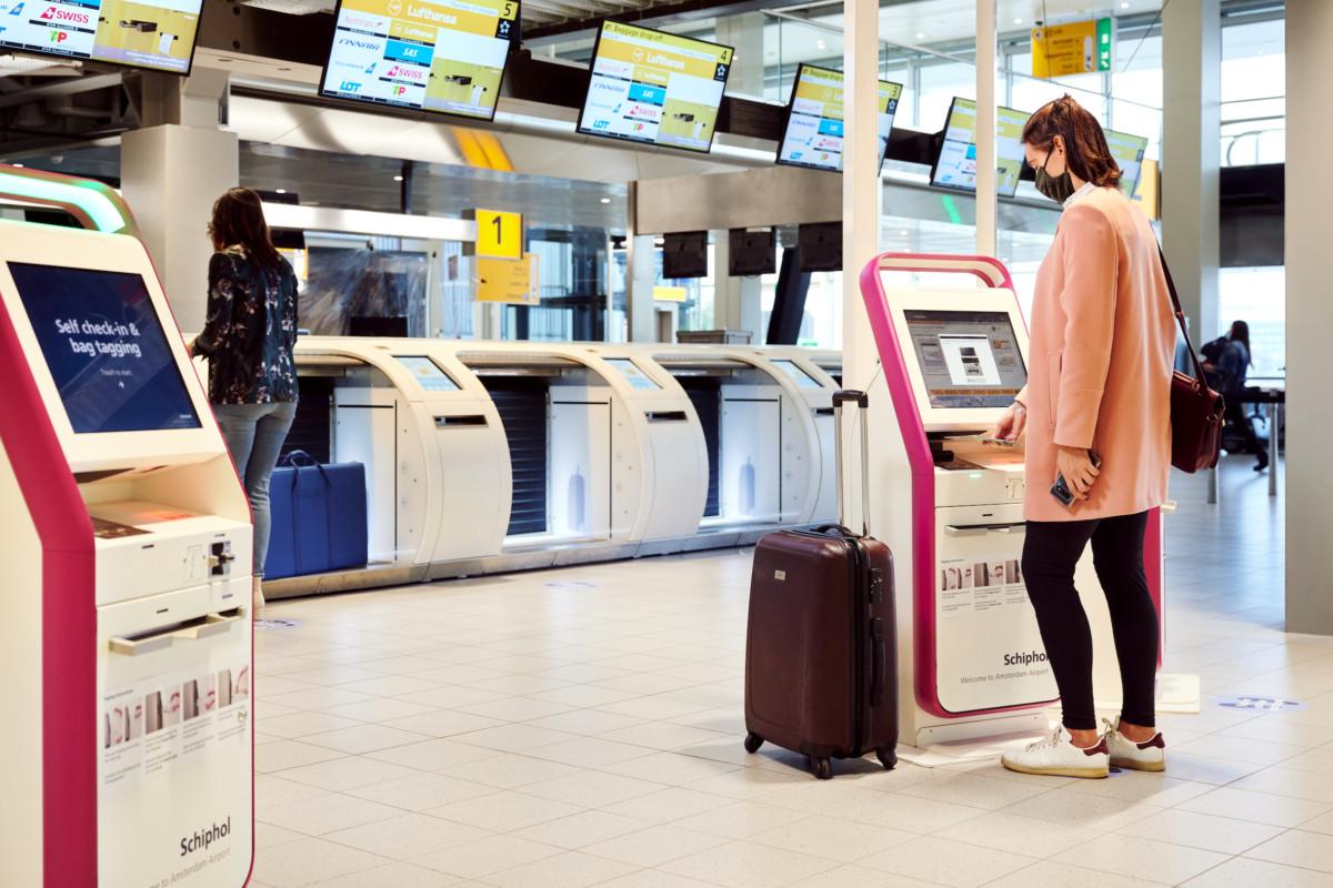 Contactloos incheckcapaciteit op Schiphol vergroot