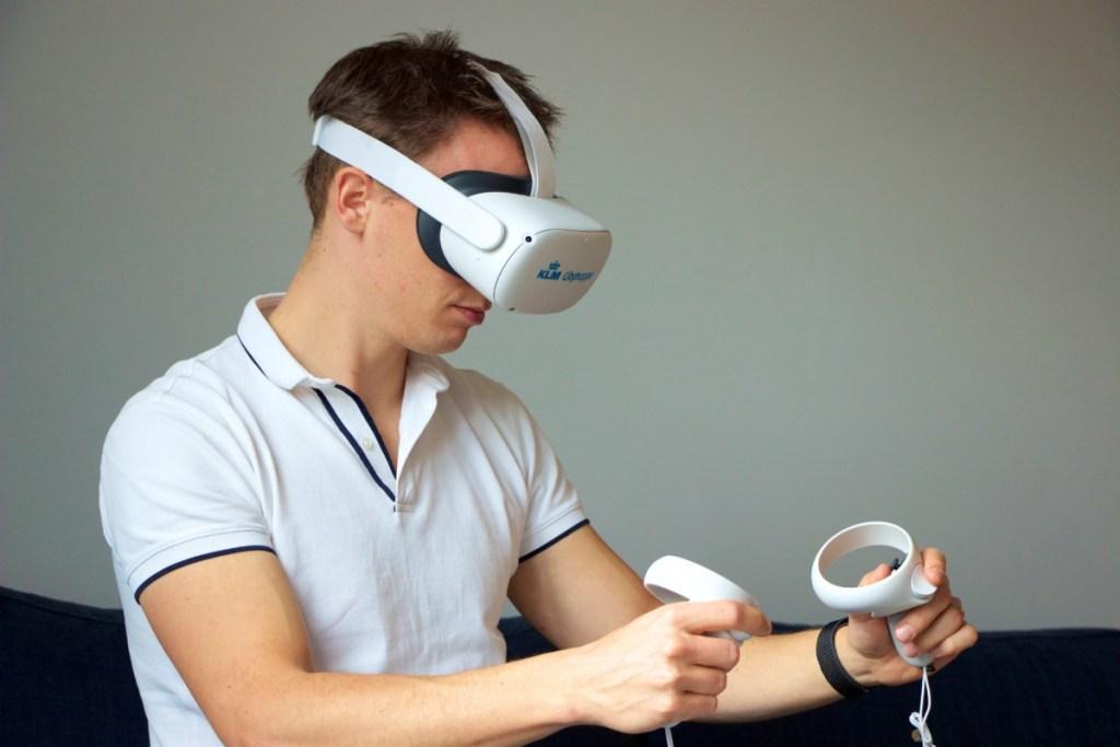 KLM Cityhopper traint met Virtual Reality