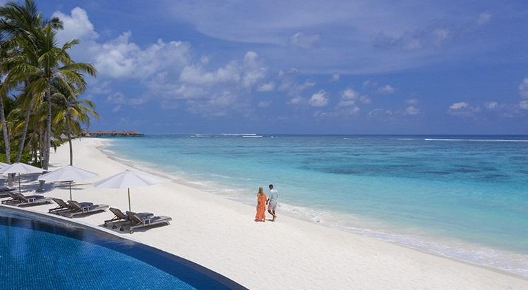 Privéstrand van het Radisson Blue Maldives Resort (Bron: Radisson Blue Maldives Resort)