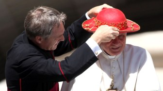 Pope Benedict XVI Holds Weekly Audience - June 22, 2011