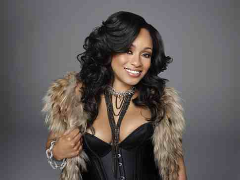 tahiry-love-and-hip-hop-ny-season-3-gumbumper-2