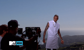 chris-brown-givenchy-cotton-poplin-sleeveless-long-shirt-from-the-spring-summer-2013-collection-4