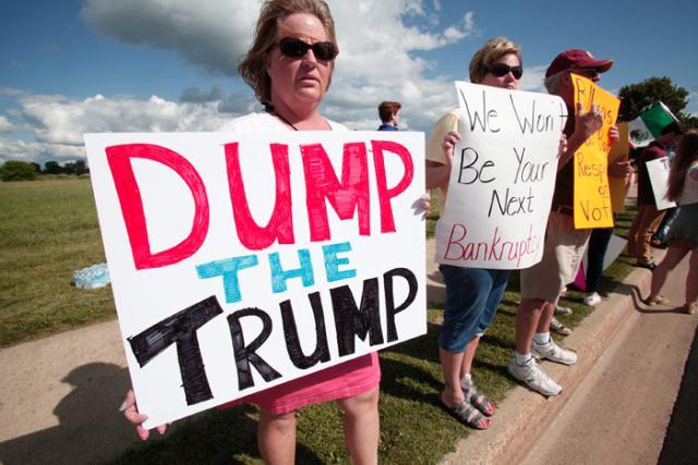 trump-sign-dump-the-trump