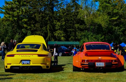 Porsche 911 comparison - a stock 991 Carrera 4S vs. Jay's 930 widebody