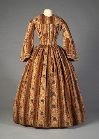 Printed wool day dress, ca. 1850, KSUM 1984.2.46