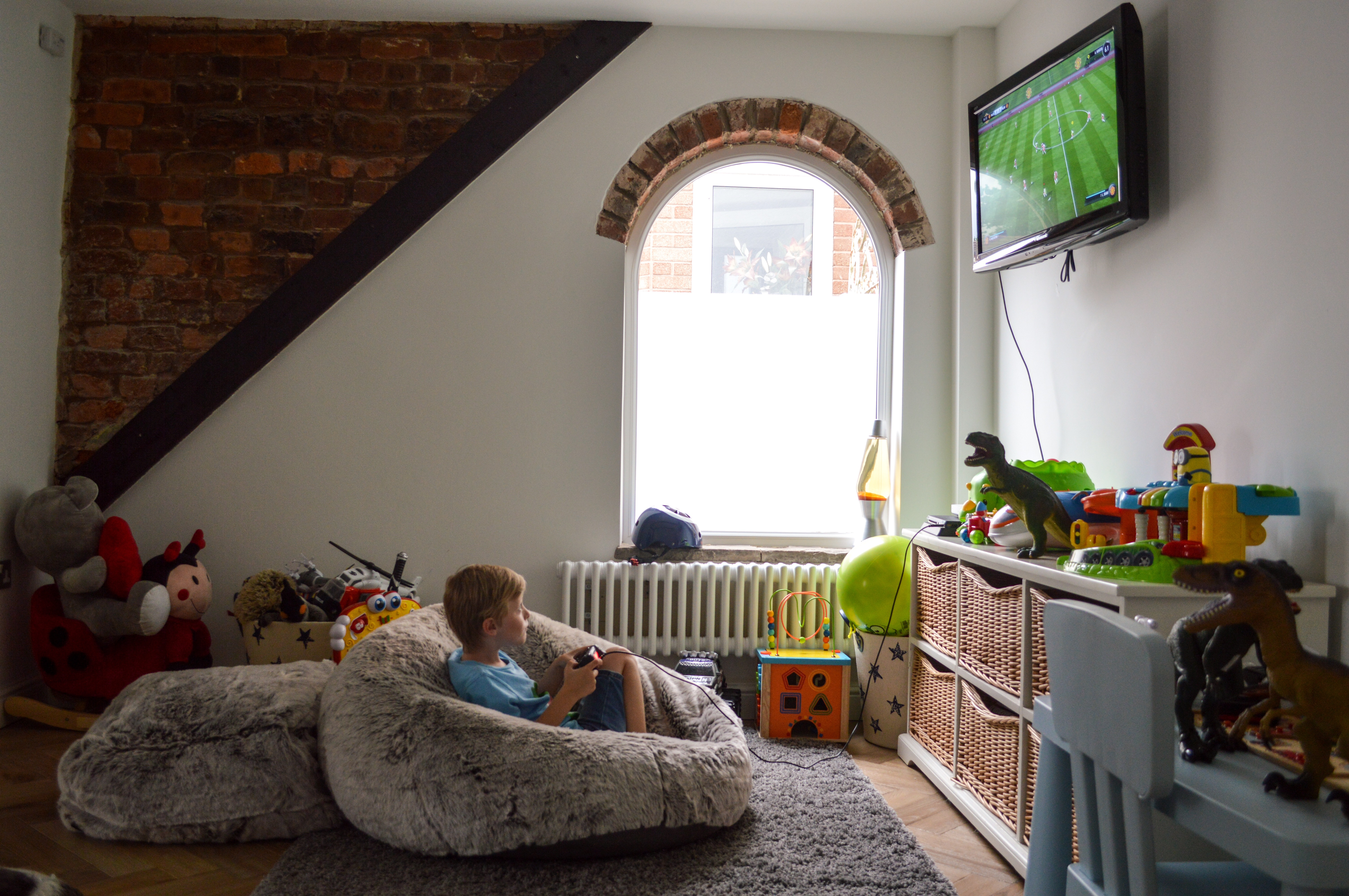 play room arched window
