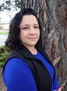 Profile photo of Renée Hernandez outside.