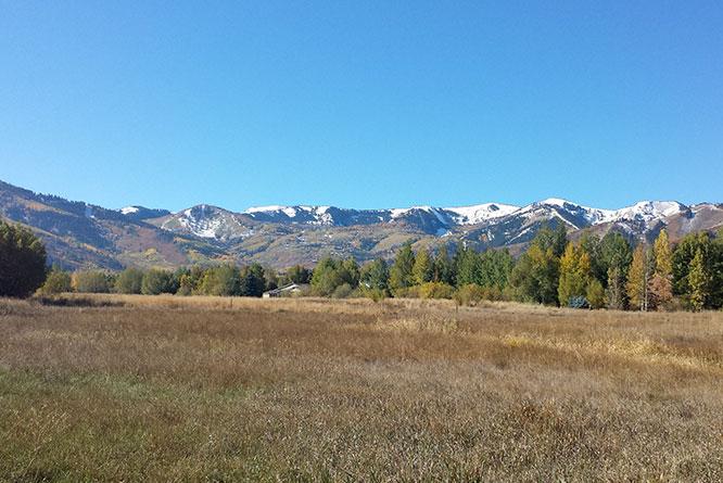 old-ranch-road-utah