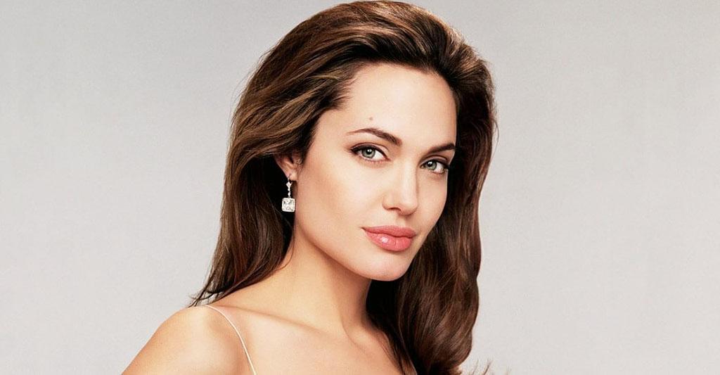 Анджелине Джоли — 45! Вспоминаем знаковые фильмы актрисы