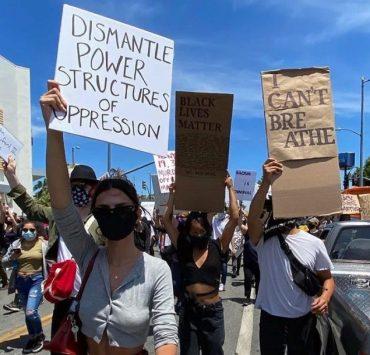 #BlackLivesMatter: в соцсетях поддерживают протестующих в США