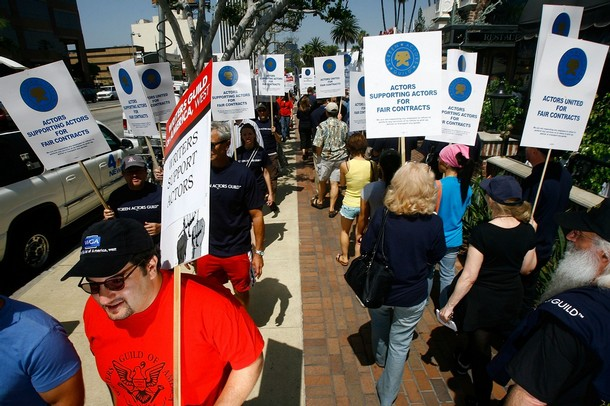 Members of Sag picket for fair wages