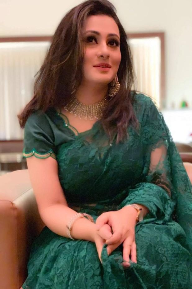 Actress purnima blue saree photo