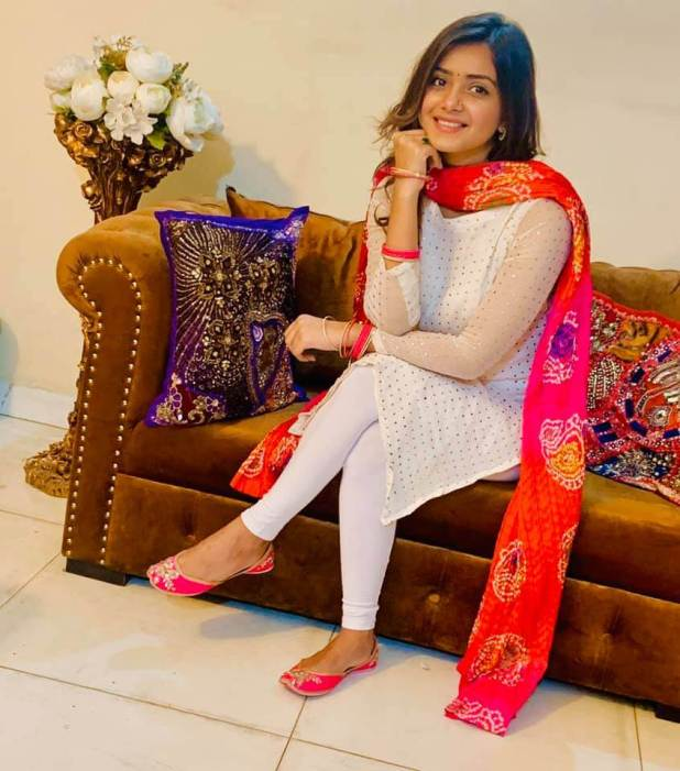 Bangladeshi actress Tanjin Tisha pic in Selwear Kamiz