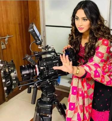 Sadika Parvin Popy with camera