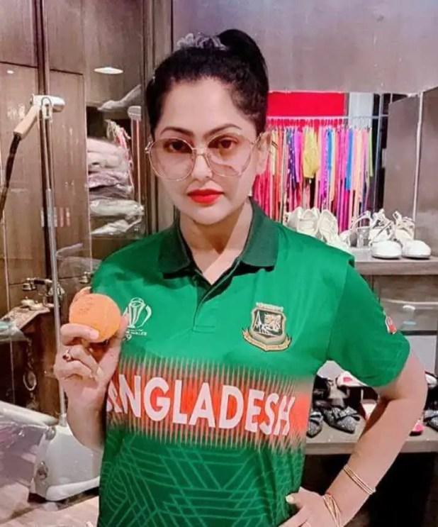 Nipun Akter with Bangladeshi T-Shirt Picture