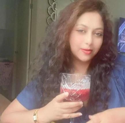 Shabnur with drinks