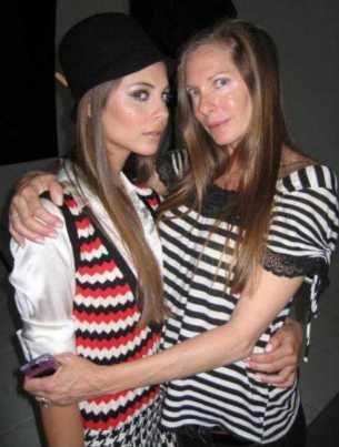 Willa Holland with her Mother
