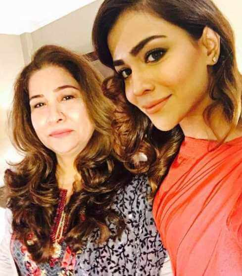 Humaima Malick with her Mother