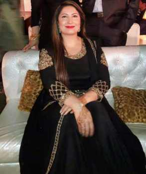 Saima Noor with Black Dress Photo