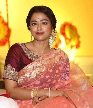 Sohini Sarkar Saree Photo