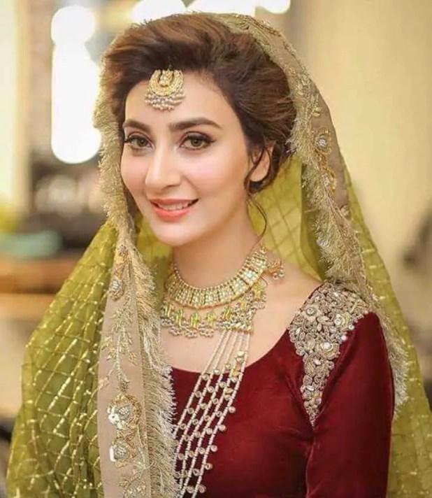 Ayesha Khan HD Wallpaper