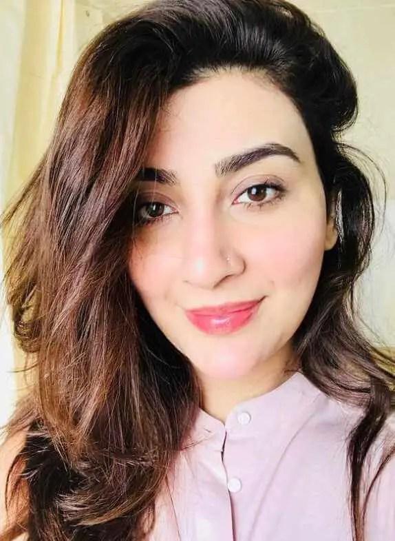 Ayesha Khan Selfie