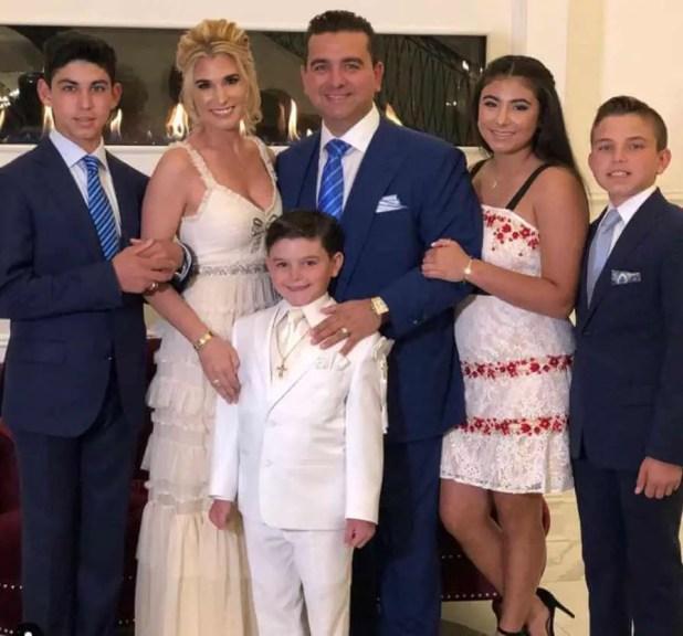 Buddy Valastro with his family Photo