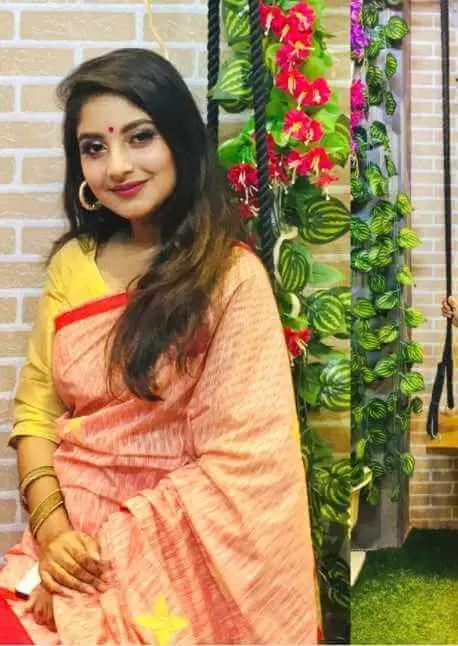 Nusrat Jahan Ontora Saree Image