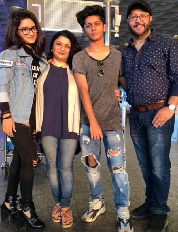 Avneet Kaur Family Photo