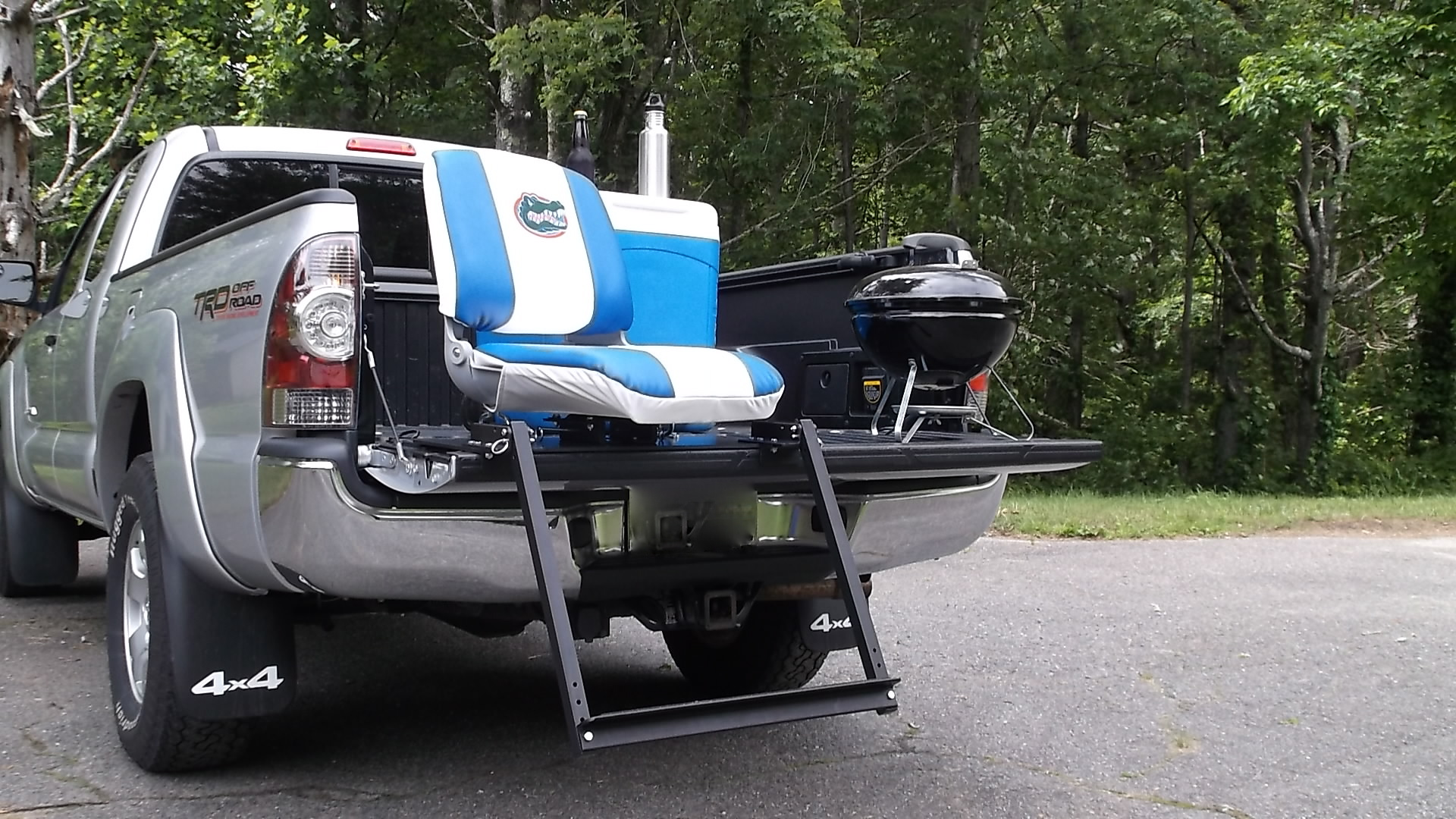 Tailgate Chairs Viba Seat Sit On Tailgate Of Your Truck Inside Tailgating
