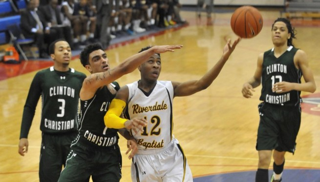 Riverdale-Clinton-Christian-bball-1024x582