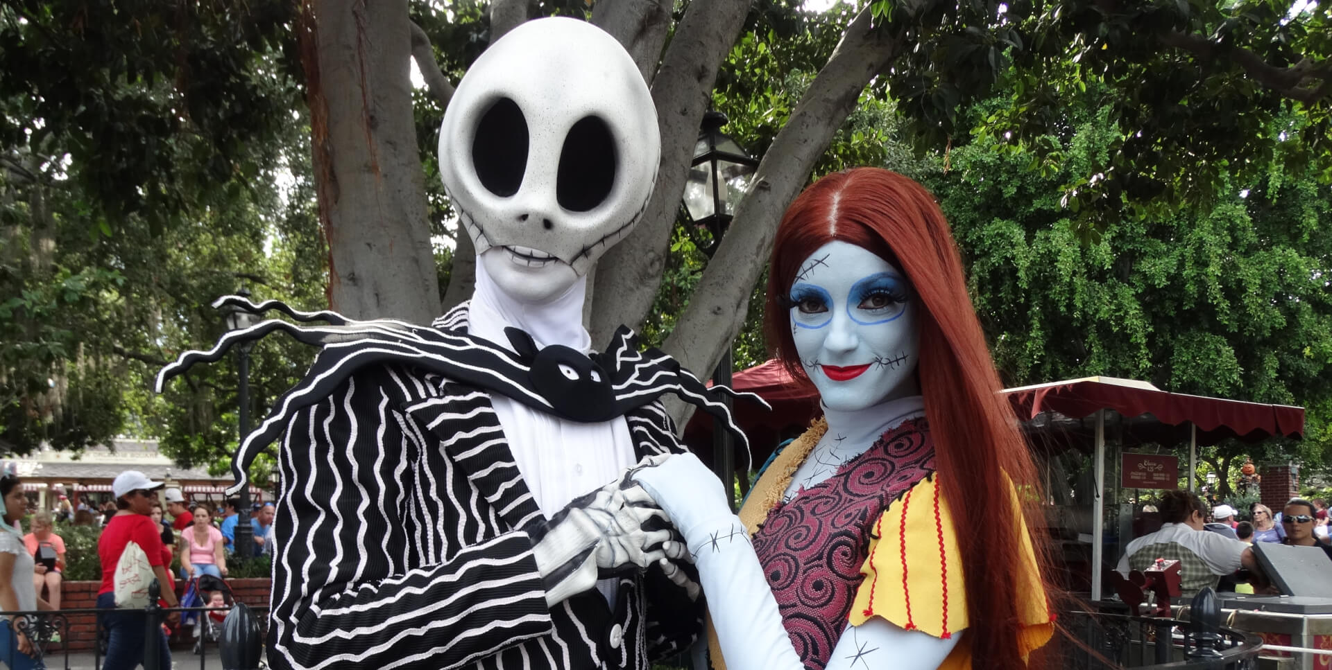 video: jack skellington and sally meet-and-greet with short