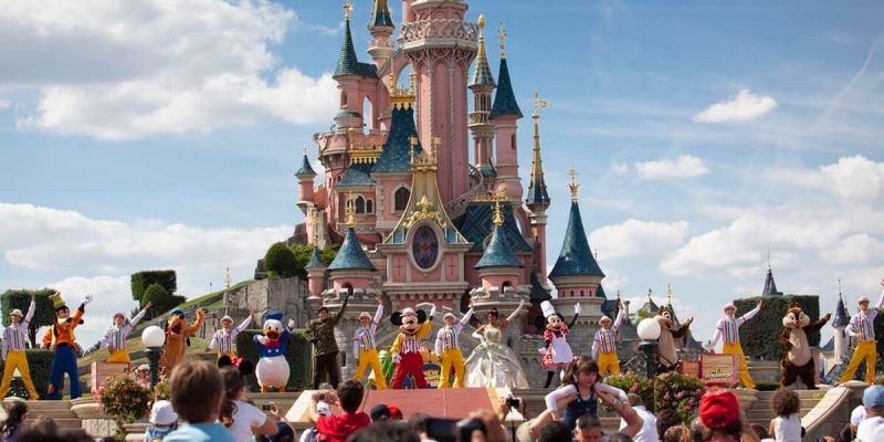 Sleeping Beauty Castle Stage Show - Disneyland Paris