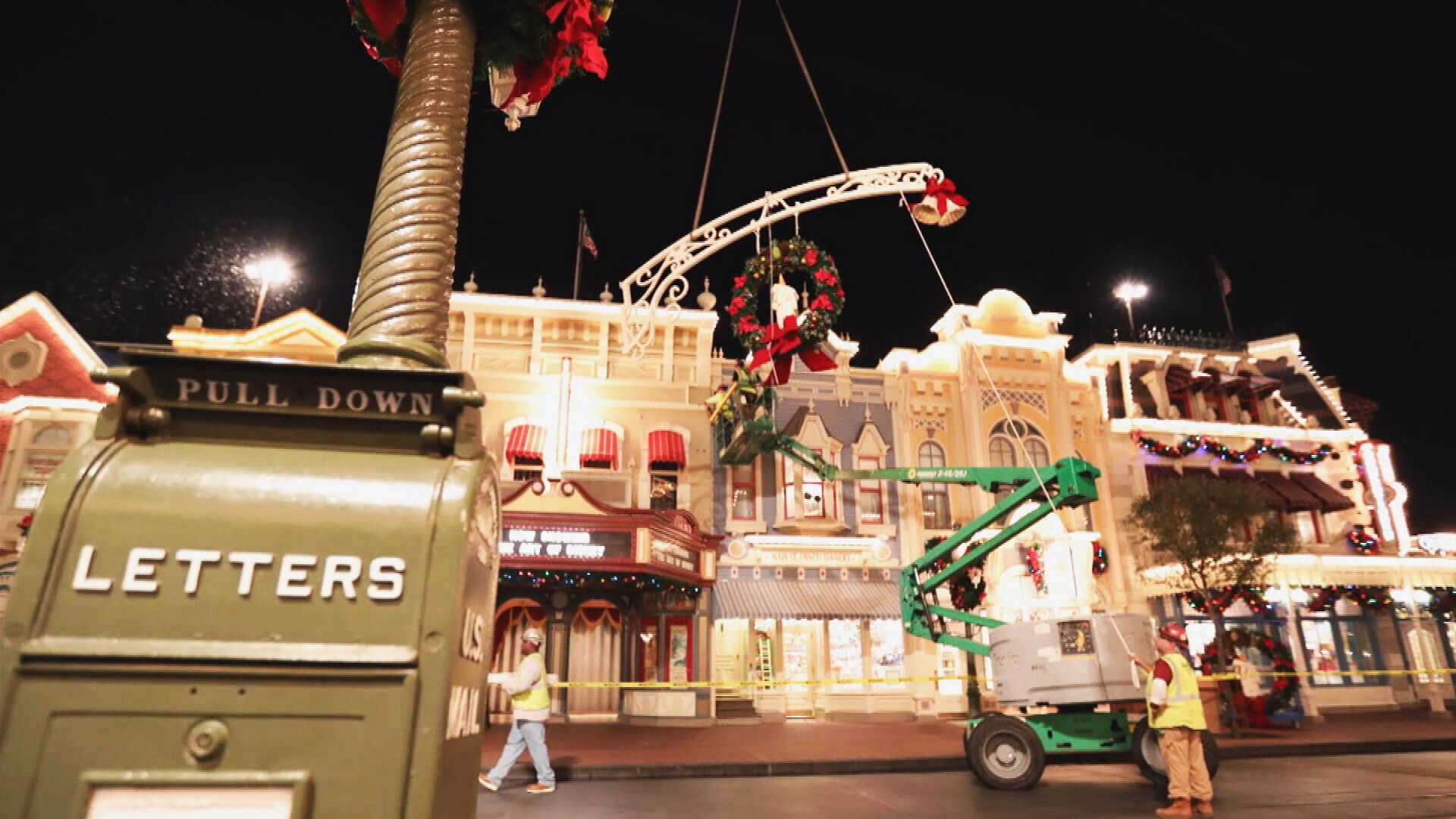 Video  Watch Magic Kingdoms Nighttime Crew Change Park Decorations