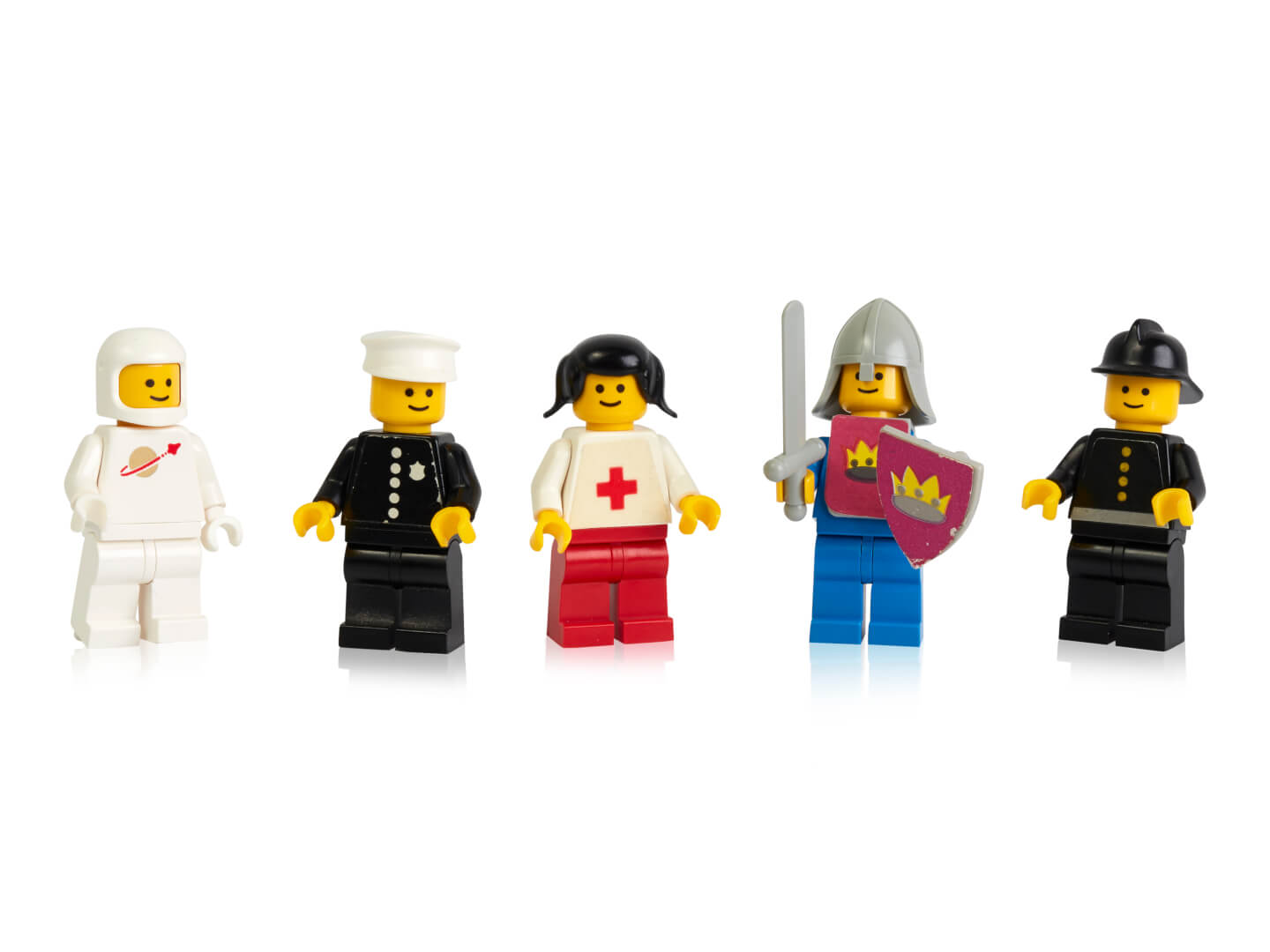 how to feel 40 anniversary lego figures