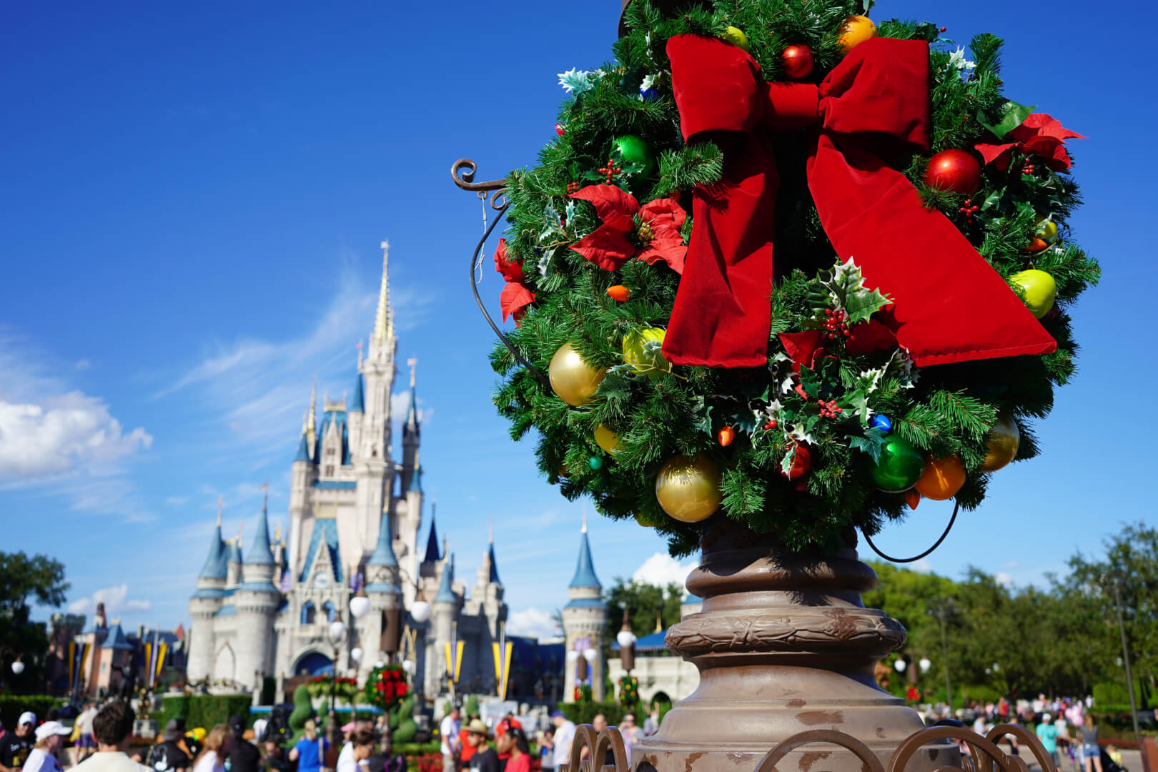 Here\'s how to celebrate the holidays at Walt Disney World without a ...