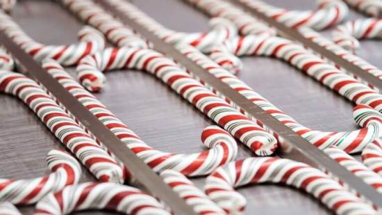 where to get candy canes at disneyland this holiday season