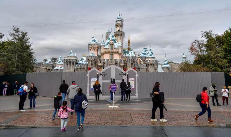 Disneyland S Sleeping Beauty Castle S Closure Part Of Park Wide Enhancement Project
