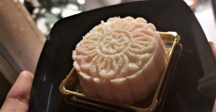 Crystal Moon Cake at Epcot Festival of the Arts