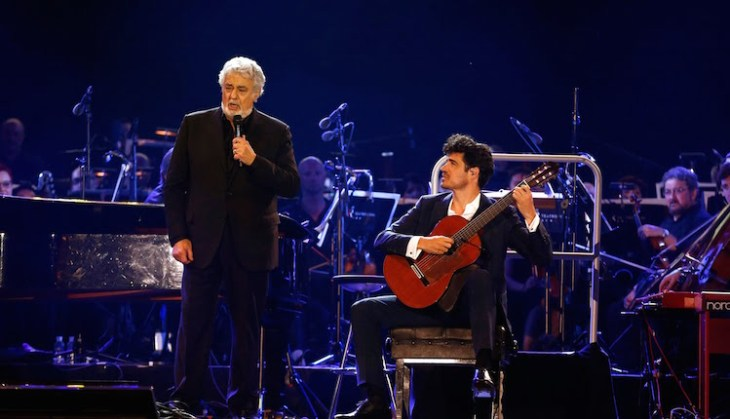 Pablo Sainz Villegas performs with Placido Domingo on stage