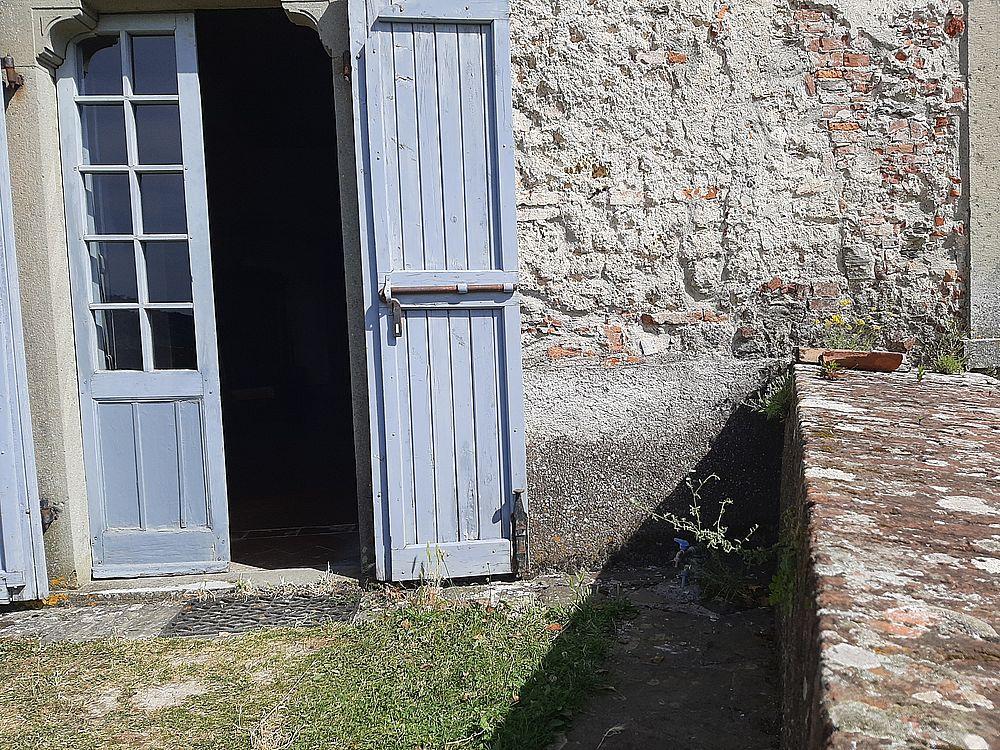 insidethestaircase castello malaspina fosdinovo esterno porta ph elettra nicodemi allrightsreserved
