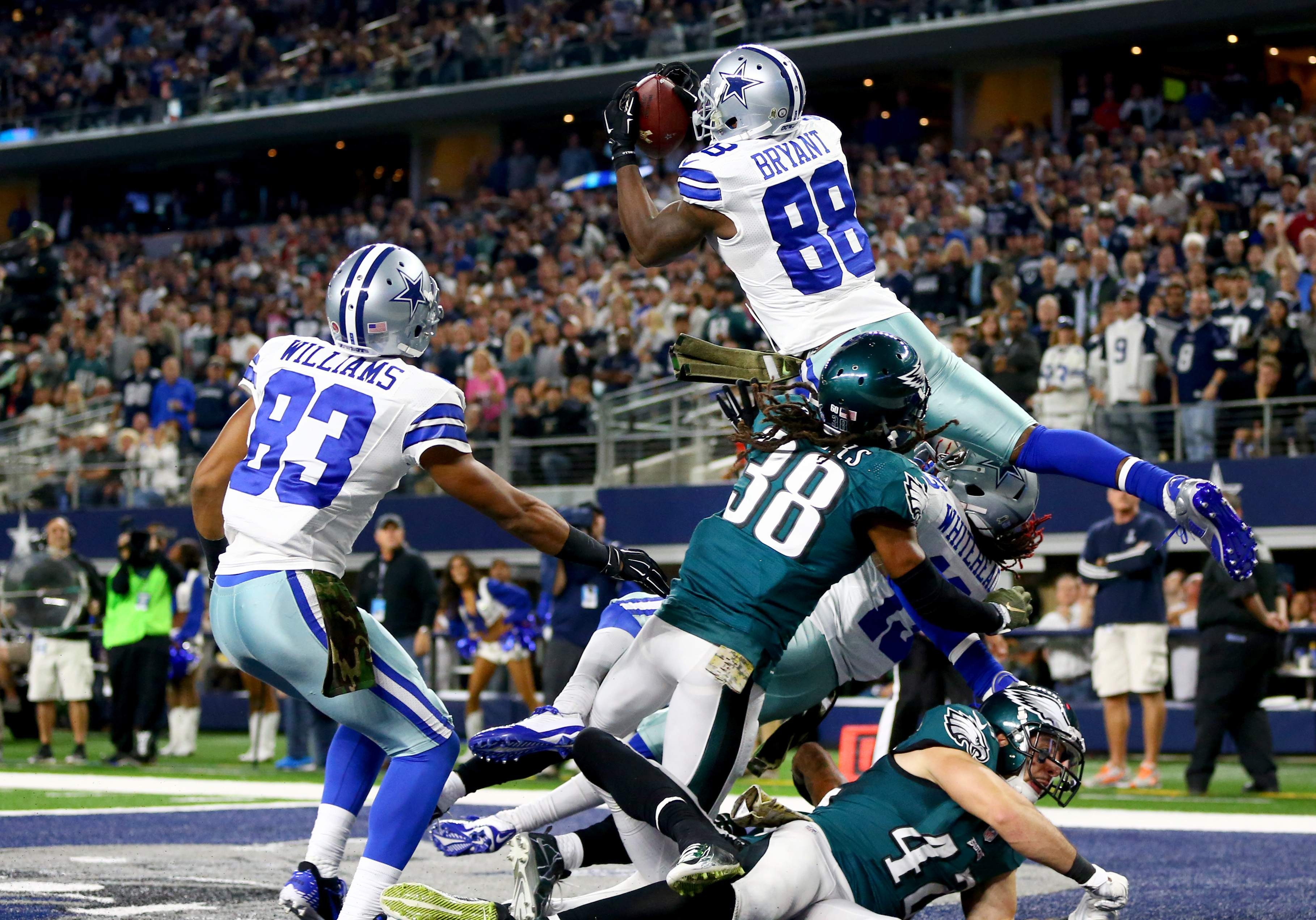 Throw Up The Threes Dez Bryant Plays Offseason Basketball